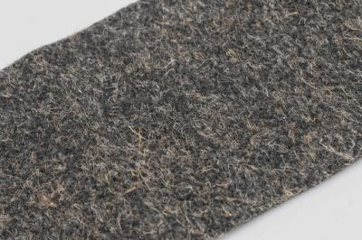 Плотная шерстяная ткань серого цвета