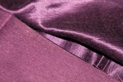 Ткань шелк сливового цвета
